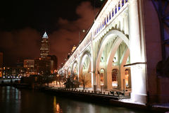 Cleveland Ohio en la noche Foto de archivo