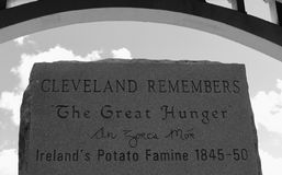 CLEVELAND REMEMBERS THE GREAT HUNGER - Ireland`s Potato Famine. A stone monument in Cleveland, Ohio remembers the great Irish famine from the 19th century Stock Images