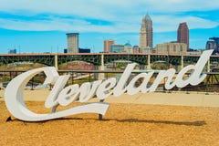 Cleveland tecken och horisont Royaltyfria Bilder