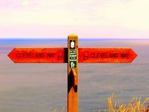 Cleveland Way kust- vandringsled royaltyfria foton