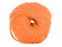 Clew van draad, oranje die textuur op witte achtergrond wordt geïsoleerd royalty-vrije stock foto's