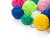 Clews di colore per lavorare a maglia immagine stock libera da diritti