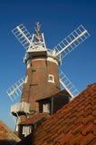 CLey väderkvarn Norfolk England arkivfoton