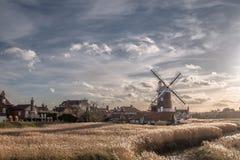 Cley-Windmühle Cley als Nächstes das Meer Norfolk stockbild