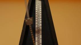 Cliccare classico del metronomo video d archivio