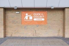 Clicchi e raccolga l'acquisto online del segno reso facile all'ipermercato del centro commerciale del deposito del negozio fotografia stock