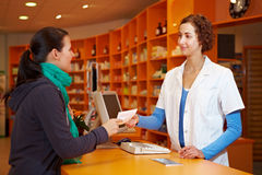 Cliente con la prescrizione Fotografia Stock
