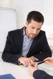 Cliente ou homem de negócios em uma reunião ou em um conselheiro com lo do cliente Fotografia de Stock Royalty Free