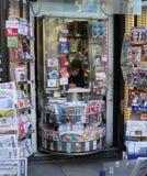 Suporte de jornal Imagem de Stock Royalty Free