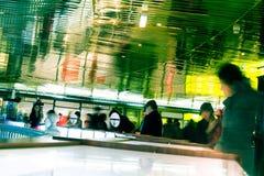 Clienti al centro commerciale fotografie stock libere da diritti