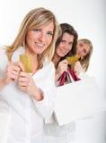 Clients féminins avec des cartes de crédit Images stock