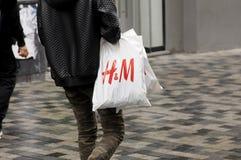 CLIENTS SUÉDOIS DE LA CHAÎNE H&M Images libres de droits
