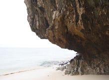 Cliff near Sea Beach Royalty Free Stock Photos