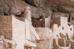 Cliff Palace forntida puebloan by av hus och boningar i Mesa Verde National Park New Mexico USA Arkivbild