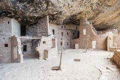 Cliff Palace forntida puebloan by av hus och boningar i Mesa Verde National Park New Mexico USA Arkivfoton