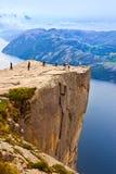 Cliff Preikestolen i fjorden Lysefjord - Norge Fotografering för Bildbyråer
