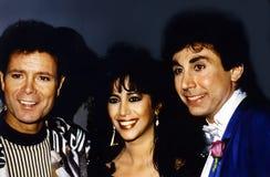 Cliff Richard, Ofra Haza, y Dino Karsonakis Fotos de archivo libres de regalías