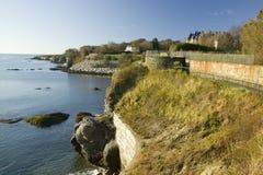 Cliff Walk, Cliffside-Herenhuizen van Nieuwpoort Rhode Island stock foto