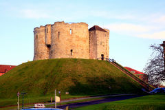 Clifford's tower, York. Royalty Free Stock Photos