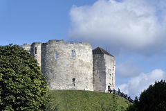 Cliffords Tower, York. Postcard view of Cliffords Tower, York, North Yorkshire, England, UK Stock Photo