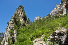 The Cliffs of Fontaine-de-Vaucluse Royalty Free Stock Images
