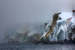 Cliffs, glaciers and snowfields Rudolf island Stock Photography