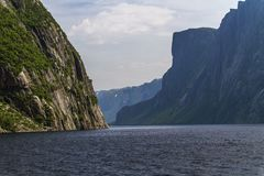 Cliffs and mountains at Western Brook Pond