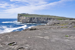 Cliffs near Dun Aengus, Inishmore, Ireland Royalty Free Stock Photos