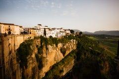 Cliffside Ronda moderno Spagna e paesaggio della valle Immagine Stock Libera da Diritti