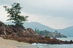 Cliffstones auf der Insel Lizenzfreies Stockbild