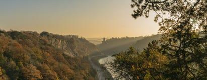 Clifton Suspension Bridge che misura il fiume Avon, Bristol fotografia stock