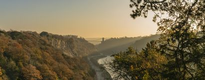 Clifton Suspension Bridge enjambant la rivière Avon, Bristol photo stock