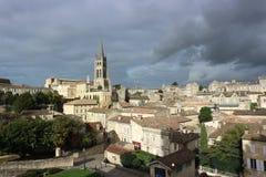 Clima de tempestade em St Emilion, França Fotos de Stock