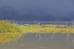 Clima de tempestade no lago Bosumtwe Imagens de Stock