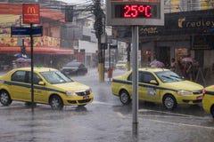 Clima: Lluvia del verano en Rio de Janeiro Fotos de archivo libres de regalías