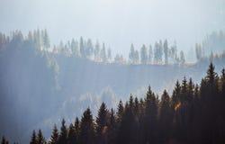 Clima tempestuoso en montañas fotos de archivo libres de regalías