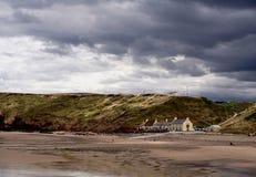 Clima tempestuoso en Saltburn en el mar Fotografía de archivo