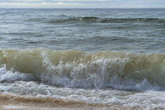 Clima tempestuoso, onda del mar fotos de archivo libres de regalías