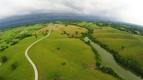 Clima tempestuoso sobre el campo central de Kentucky almacen de video