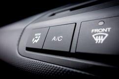 Climatisation sur outre du commutateur d'une climatisation s de voiture photo libre de droits