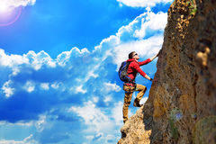 Climber with backpack Royalty Free Stock Photography