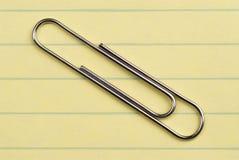Clip de papel. Imagen de archivo libre de regalías