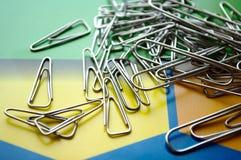 Clip del metallo su carta Fotografia Stock Libera da Diritti