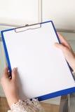 clipboardhänder Fotografering för Bildbyråer