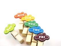 Clipes de papel de madeira coloridos foto de stock