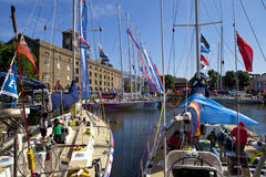 Clippers ont amarré à St Katherine Dock à Londres Photo stock