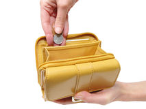 clippingen hands banaplånboken royaltyfri bild