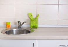 clippingmappen inkluderar kökbanavasken fotografering för bildbyråer