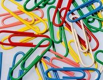 Clips de papel coloridos Imagen de archivo libre de regalías