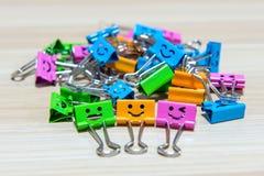 Clips de papel coloridos Fotografía de archivo libre de regalías